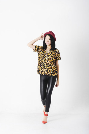 leopard Flow t-shirt