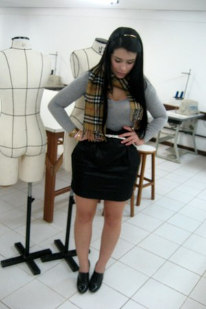 Burberry scarf - Tres Chic skirt