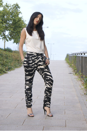 black BLANCO bag - white tacks Zara shirt - black animal print Mango pants
