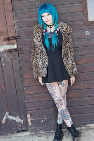 leopard print UNIF coat - black patent Dr Martens boots