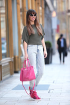 SUEL sweater - Adidas shoes - H&M jeans - DKNY bag - Gant sunglasses