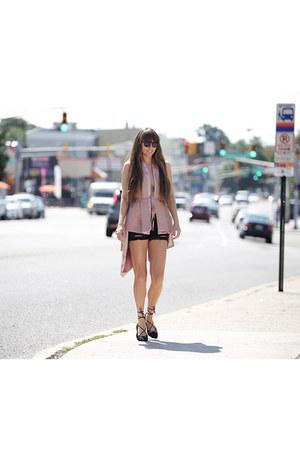 CAKO vest - Gant sunglasses - Mango heels