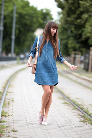 Stradivarius dress - Cango & Rinaldi bag - Cango & Rinaldi flats