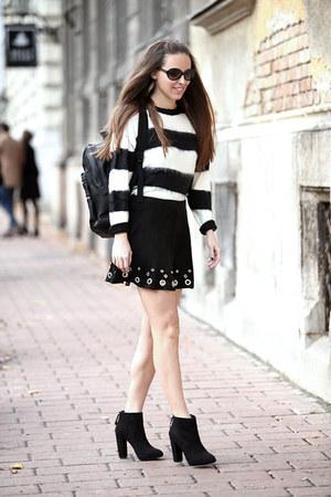 Mango boots - Mango sweater - Mango skirt