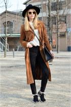 tawny suede F&F coat - black skinny tezenis jeans