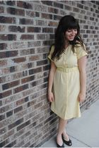 gold headband accessories - beige vintage necklace - yellow vintage dress - blac
