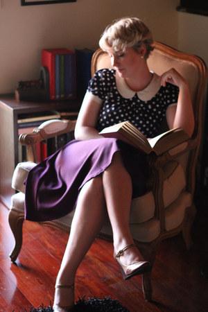 navy modcloth t-shirt - purple high waisted modcloth skirt