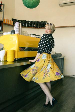 mustard floral midi modcloth skirt - white lolita sunglasses