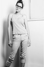 Light-pink-high-waisted-sirens-jeans-beige-flats-silver-cropped-top