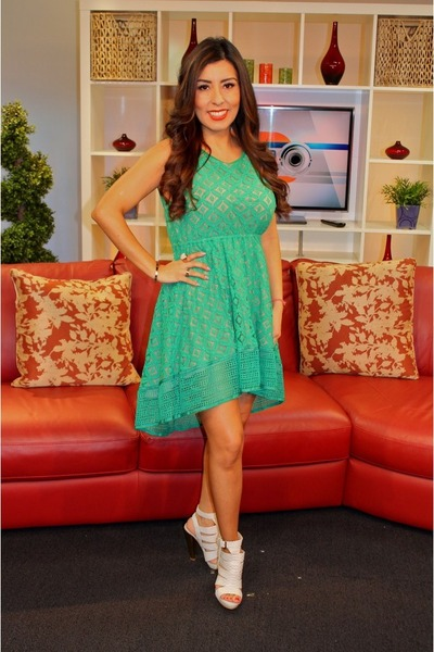 green lace Lulus dress - white leather Shoe Dazzle shoes