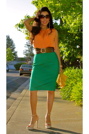 neutral DV by dolce vita heels - carrot orange Zara top - green Zara skirt
