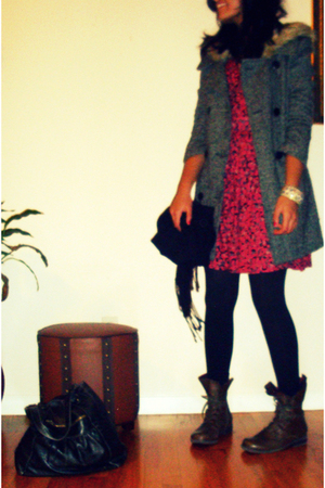 BB Dakota coat - H&M dress - seychelles boots - Mom scarf - Forever 21 accessori