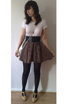 H&M t-shirt - second hand skirt - second hand purse - vintage shoes