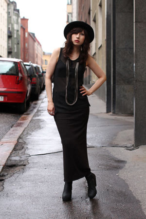 black ann demeulemeester shirt - black rick owens lilies skirt - black Rick Owen