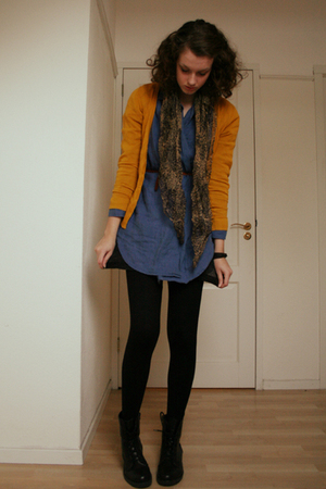 blue my mums blouse - black Fake docs H&amp;M shoes - beige Episode vintage scarf
