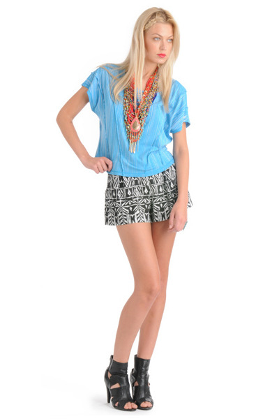 blue Forever 21 top - black Forever 21 shorts - blue Forever 21 necklace - orang - Native Beauty - Forever21's blog  - Chictopia :  blog shorts knit beaded