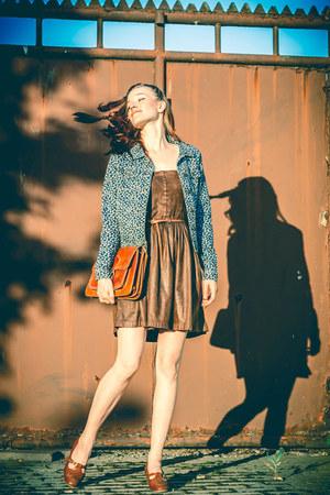 blue modinocz jacket - tawny Secondhand shoes - brown Stradivarius dress