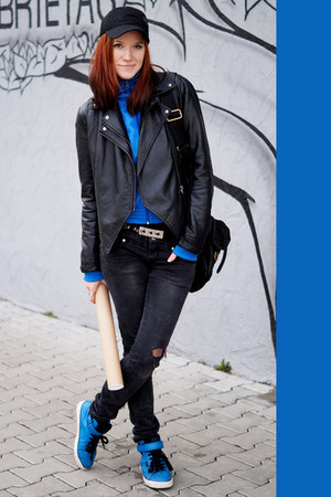 blue second hand sweatshirt - black Puma hat - black second hand jacket