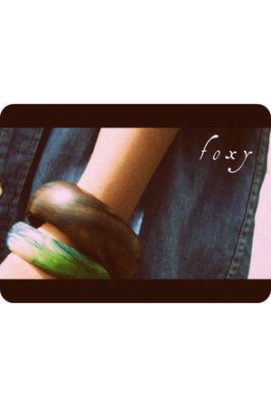 blue denim shirt - brown wooden bangles bracelet - green patterned bangles brace