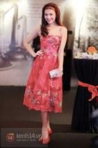 salmon dress - salmon heels