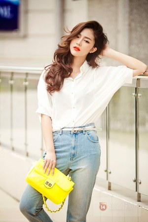 white shirt - sky blue jeans - yellow bag