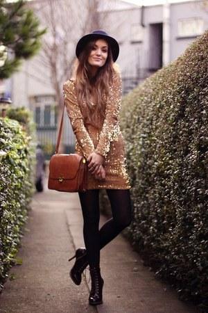black leggings - navy hat - bronze bag - blouse - black heels
