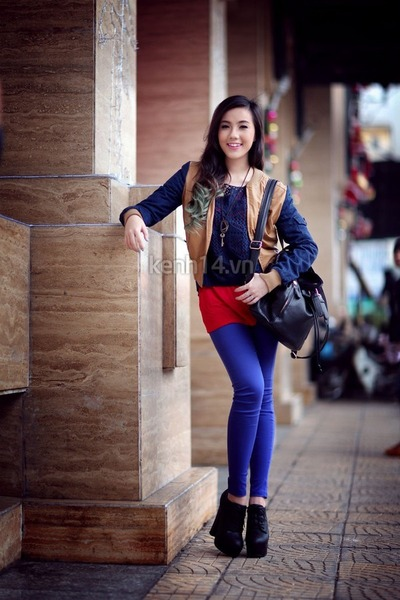 bronze blazer - black boots - black bag - blue pants
