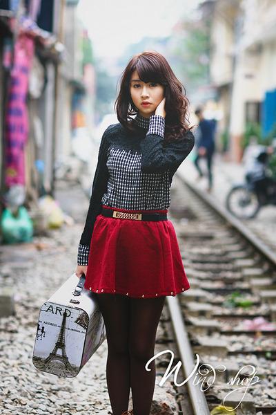 gray tights - dark gray shirt - ruby red skirt