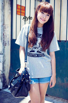 black bag - light blue shirt - sky blue shorts