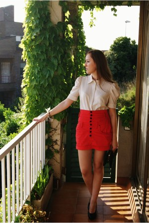 Mustang purse - Mango blouse - Accessorize earrings - Lois skirt - heels