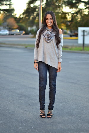 heather gray no brand scarf - black chain accent dvf boots