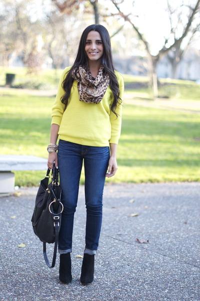 2e346c0bb black suede bootie sam edelman boots - navy skinny J Brand jeans