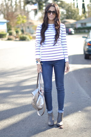 white navy striped H&M top - navy snakeprint J Brand jeans