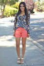Light-orange-linen-anthropologie-shorts-navy-floral-zara-blouse