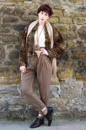 brown Zara pants - beige Topshop t-shirt - brown vintage coat