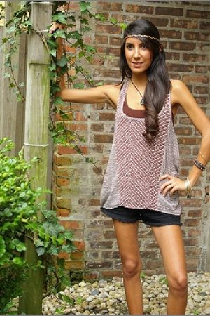 brown Patterson J Kincaid top - black JBrand shorts - brown Sugar Lips top