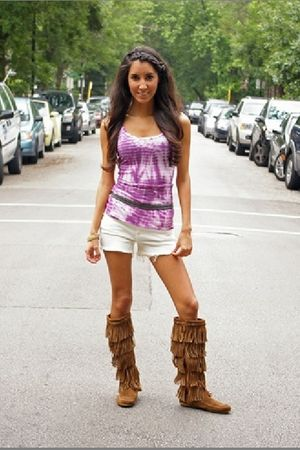 purple Zoa top - white Blank shorts - gray Rope belt - brown Minnetonka boots