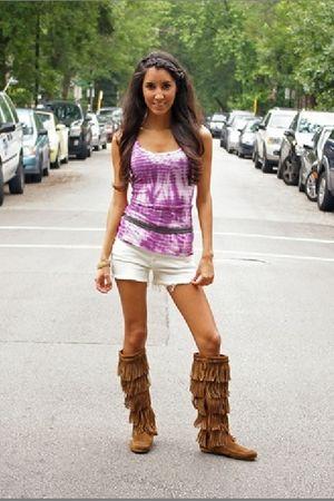 purple Zoa top - white Blank shorts - gray Rope belt - brown Minnetonka boots