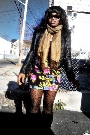 Forever 21 dress - Forever 21 boots - besty johnson sunglasses - H&M scarf - Fre