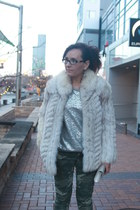 silver Old Navy sweater - white fur vintage coat - dark green camo kohls jeans