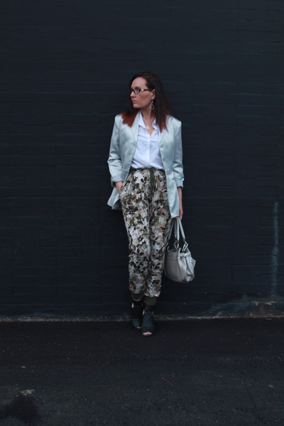 silver thrifted blazer - white button down thrifted shirt - silver kohls bag
