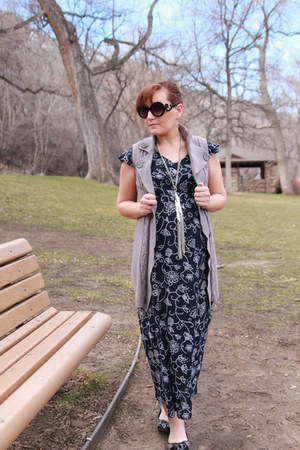 navy motherhood dress - heather gray motherhood vest - black tweed Target flats