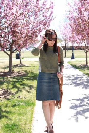 olive green thrifted sweater - tawny Ana shoes - tawny fringe Marshalls bag