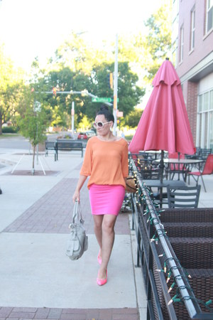 light orange thrifted shirt - light blue thrifted bag - hot pink thrifted heels