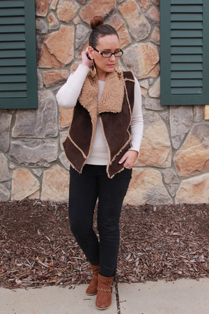 tawny studded Forever 21 boots - black Old Navy jeans - cream J Crew sweater