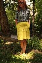 yellow pencil Target skirt - navy Forever 21 shirt