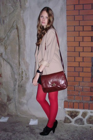 beige vintage blazer - red H&M tights - brown vintage bag - black lace-ups shoes