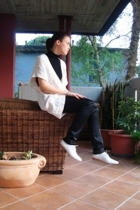 Zara sweater - blouse - Liu-Jo pants - Sisley shoes
