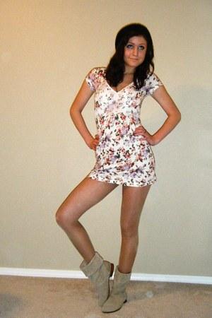 Walmart dress - vintage from Ebay boots - Forever 21 hat