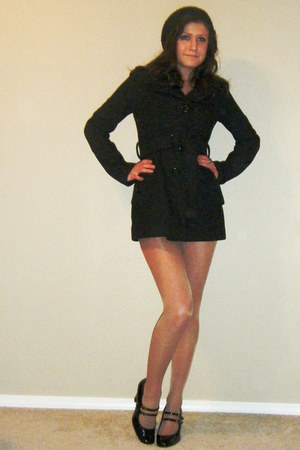 black kohls coat - black thrifted vintage heels - silver rue21 shirt